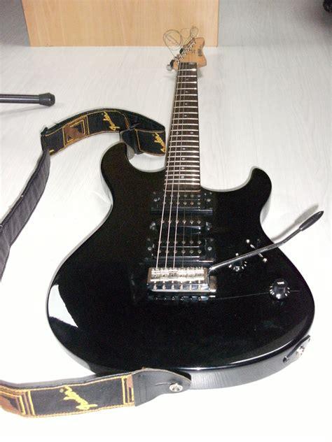 Harga Gitar Yamaha Erg 121 yamaha erg121 image 587112 audiofanzine