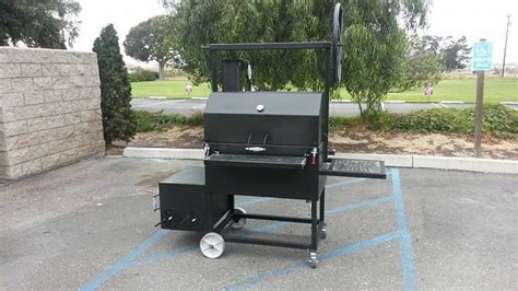 Hand Made Reverse Flow Smoker Cooker, With Santa Maria Bbq