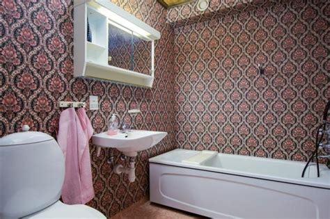 badezimmer fliesen abwaschen feuchtraumtapete f 252 r ihr badezimmer