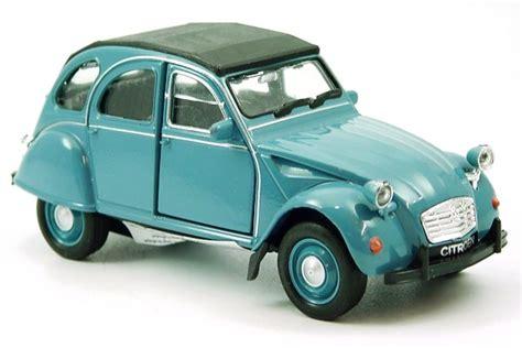 Eine Ente Auto by Die Kultige Ente Modell Auto Citroen 2cv Neu 1 38 Welly