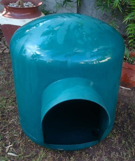 large plastic kennel kennels doghouses large plastic kennel was sold for r650 00 on 12 mar at 11 31