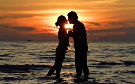 couple wallpaper pair imagenes romanticas de parejas besandose en un atardecer