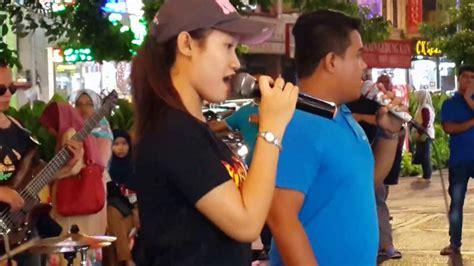 download mp3 dangdut yang penting happy yang penting happy nurul feat redeem buskers cover jamal