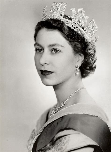 queen elizabeth ii queen elizabeth ii becomes the uk s longest reigning monarch