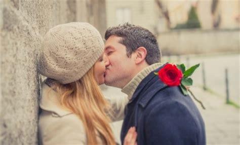 inilah fakta positif dan negatif dari ciuman