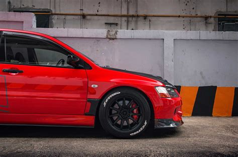 mitsubishi evo wagon mitsubishi lancer evolution ix wagon the compromise