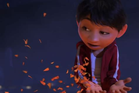 film coco in spanish disney presents the first coconut the new pixar movie trailer