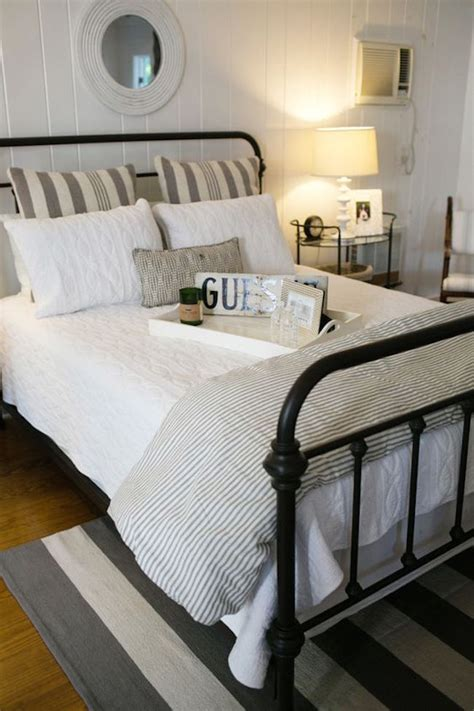 beautiful neutral bedrooms 43 calm and beautiful neutral bedroom designs interior god 10220   Neutral Striped Guest Bedroom