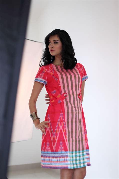 Blouse Combine Atasan Baju Wanita http sadikingani model on duty everlasting