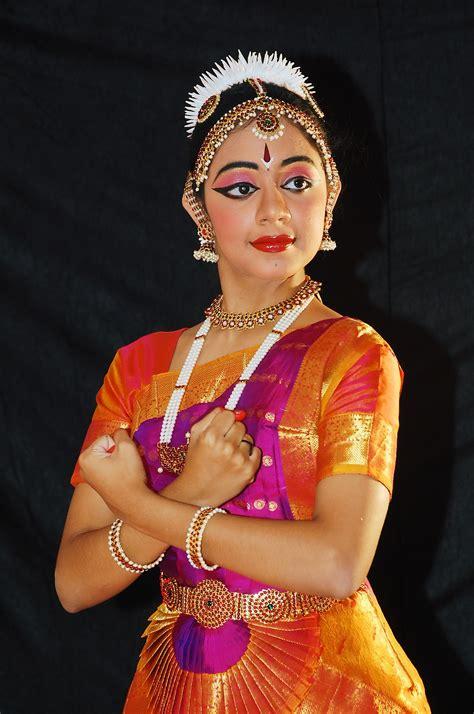 Hairstyle Classes In Bangalore by Nrityanjali School Of Bharatanatyam In City
