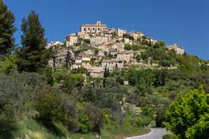 province france sleeping and dining in the luberon provence france