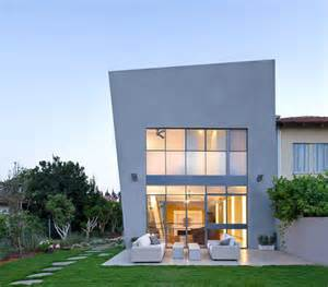 Eco Friendly Home by Contemporary Eco Friendly House With Asymmetric Shape