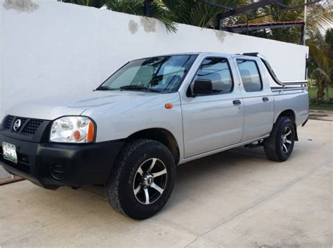 Nissan Np300 Doble Cabina 2014 reviews, prices, ratings with various photos