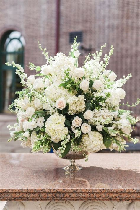 york wedding celebrates elegance wedding centerpiece