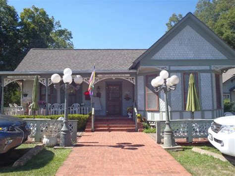 Bevers Kitchen Chappell Hill Tx by Charming Outside Bevers Kitchen Fotograf 237 A De Bever S