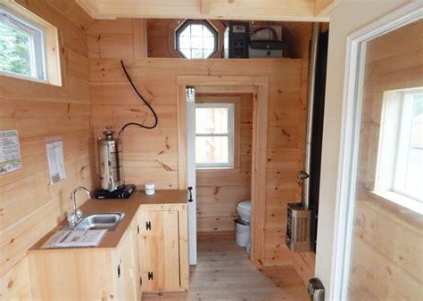 10 X 16 Floor Grid - 8x16 cross gable tiny house on a trailer