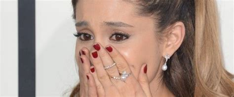 whats wrong with ariana grandes hair whats wrong with ariana grande hair a blogger almost made