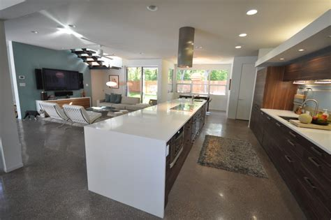 Urbanspace Interiors by Rollingwood Residence Family Room Kitchen Modern