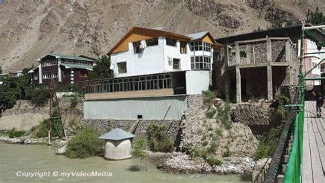 nebenfluss des inn khorog basar und kivekas hotel tadschikistan reise