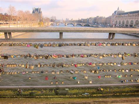 images of love lock bridge this is how you do a paris love lock bridge when you re