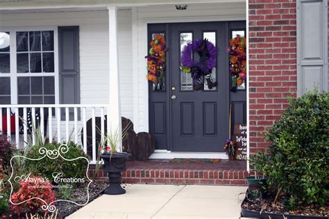 command strips christmas decorating frontdoor garland how to take your fall front porch from to thanksgiving alaynascreations