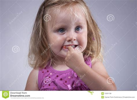 eats gum kid gum royalty free stock photos image 15351738