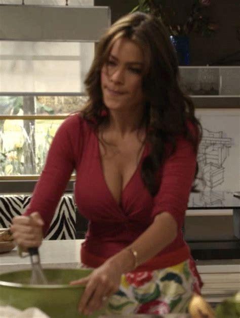 Sofia vergara s boobs bouncing around in animated gifs 20 gifs
