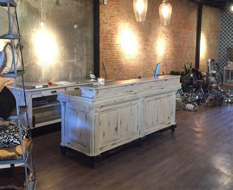 Boutique Reception Desk 25 Best Ideas About Salon Reception Desk On Salon Reception Area Small Salon And
