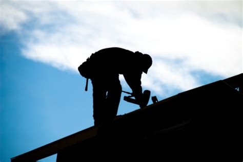 Top 5 Signs That Its Time To Call It Quits by Five Signs It S Time To Call A Roofer Buying Savings