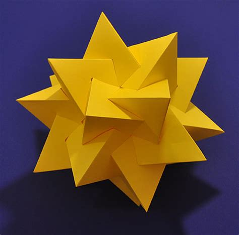 Origami Five Intersecting Tetrahedra - how to make a model of five intersecting tetrahedra
