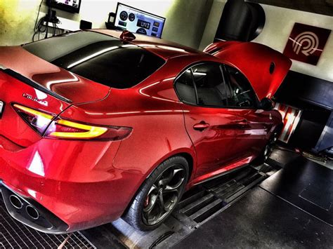 alfa romeo giulia quadrifoglio tuner pogea racing presented a new tuning kit for the alfa romeo giulia quadrifoglio
