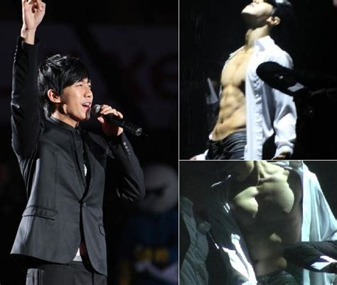 lee seung gi shows lee seunggi shows off his real chocolate abs k bites