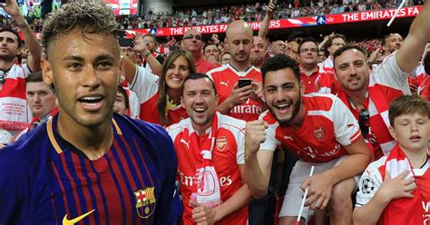 arsenal fans quot thank you psg quot arsenal fans are loving barcelona getting