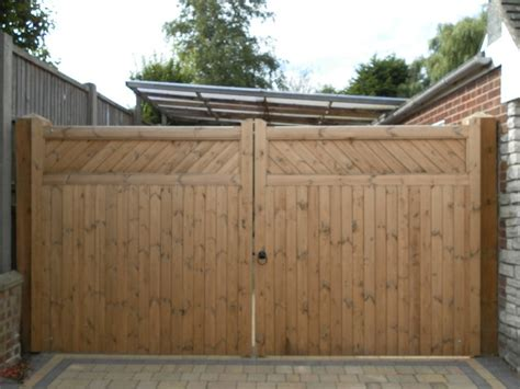 wooden gates and timber gates made to measure by friday woodgates