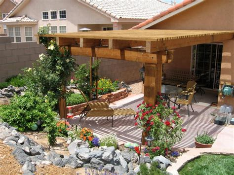 Patio Pergolas Here S A Large Patio Pergola With L Covered Pergola Ideas