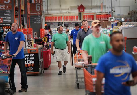 home depot is the big winner in the downfall of sears