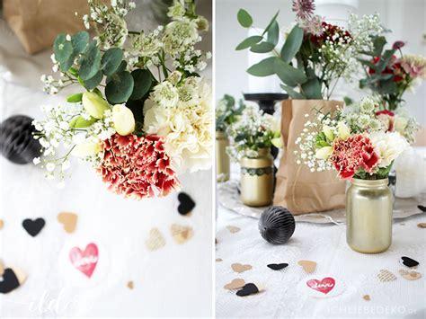 Hochzeitsdeko Rot by Romantische Hochzeitsdeko In Schwarz Rot Gold Ich Liebe Deko