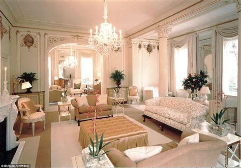 kensington palace bedrooms china s wang jianlin buys 163 80m london home on kensington