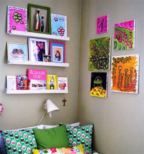 Hiasan Dinding Foto 1 hiasan dinding kamar tidur foto desain rumah minimalis