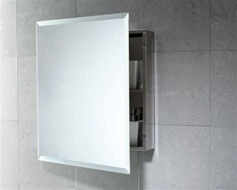 armarios de bano  espejo en la puerta
