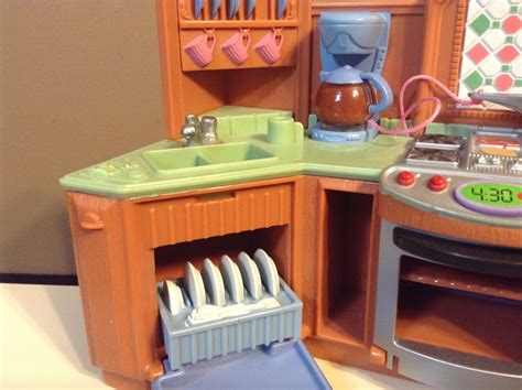 loving family kitchen furniture loving family oven stove kitchen dollhouse furniture fisher price light sounds