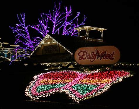 christmas lights at dollywood christmas decorating