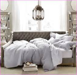 Diy Tufted Daybed Devyn Tufted Daybed Home Design Ideas
