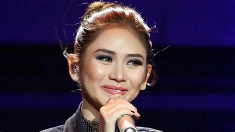 sarah geronimo latest pictures the reason why sarah geronimo cried at her concert