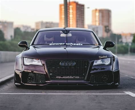 Low Widebody purple Audi RS7 Pictures