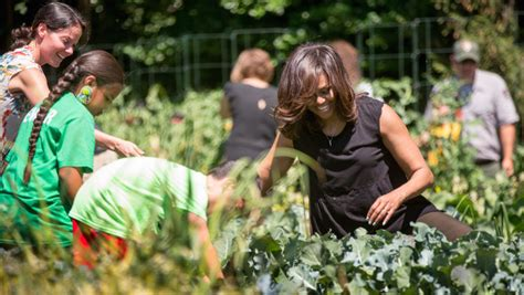 Michelle Obama Protects White House Garden Against A Obama Vegetable Garden