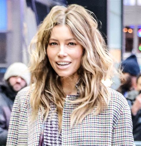 Michelles Arrives At Nyc Apt This Morning by Biel Arrives At Morning America In New York