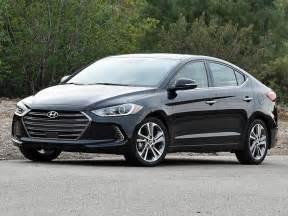 Civic Hyundai Comparison Test 2016 Honda Civic And 2017 Hyundai Elantra