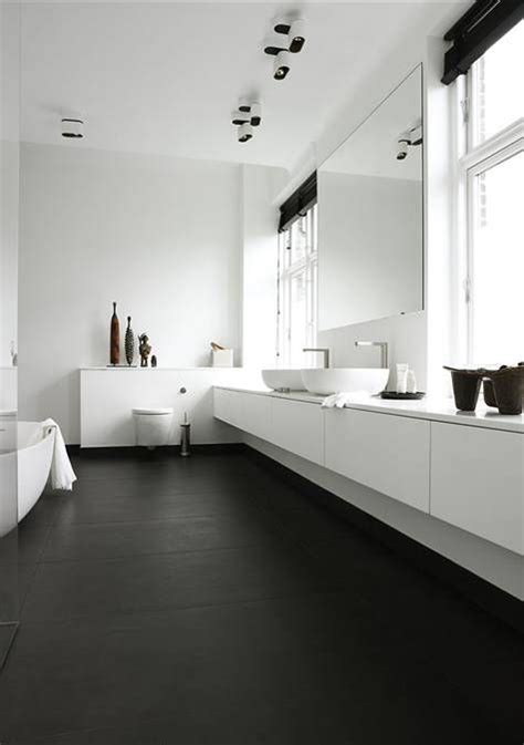bathroom decorating trends top 10 bathroom decor trends and 45 exles homiepop com