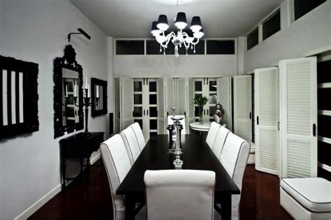 formal black and white dining room set with reddish brown wooden floor for colonial dining room